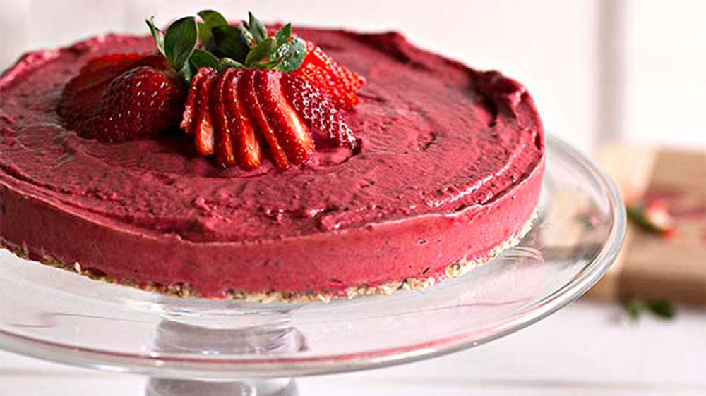 Raw Berry Cake